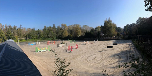 Parc neuf d'obstacles